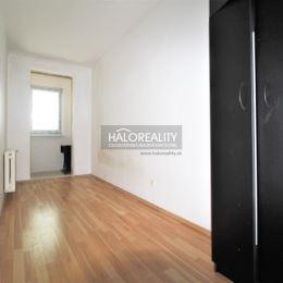 Ponúkame na predaj 3 izbový byt v Partizánskom, neďaleko centra mesta. Byt má výmeru 80m², je orientovaný na východ a nachádza na jedenástom poschodí ...