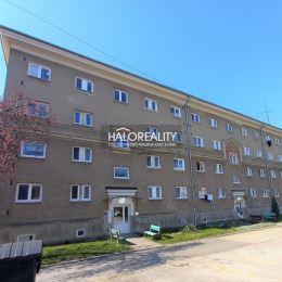 Ponúkame na predaj trojizbový byt v osobnom vlastníctve v Prievidzi na Starom sídlisku – ul. Trhová (pri Magure). Plocha bytu je 73 m² a nachádza sa ...