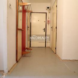 Predaj, dvojizbový byt na Bartókovej ulici v Štúrove - EXKLUZÍVNE HALO REALITY