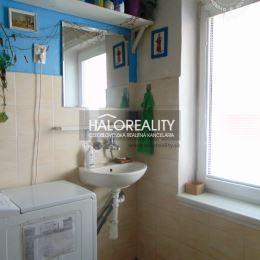 Ponúkame na predaj jednoizbový byt v osobnom vlastníctve s celkovou výmerou 28,45 m² na prízemí v tehlovom bytovom dome,v lokalite Pod Kalváriou v ...