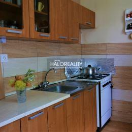 Ponúkame na predaj dvojizbový byt 58 m² v osobnom vlastníctve. Byt sa nachádza na prízemí bytového domu bez balkóna a výťahu. Bytové jadro je ...