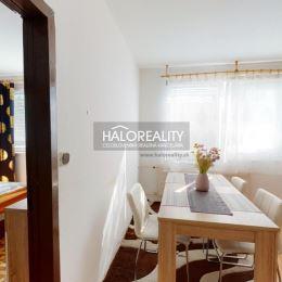 Ponúkame na predaj 1-izbový byt v osobnom vlastníctve v Šali - Veči na Hollého ulici o rozlohe 38 m², ktorý sa nachádza na 6/7 poschodí.Dispozične ...