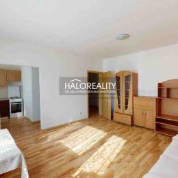 Ponúkame na predaj zrekonštruovaný 1-izbový byt v osobnom vlastníctve v mesta Šaľa, časť Veča na Narcisovej ulici. Byt o rozlohe 35m² sa nachádza na ...