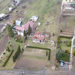 Ponúkame na predaj murovanú chatu s pozemkom 890m² v Rimavskej sobote - časť Vinice.Dispozícia celej nehnuteľnosti : Celá nehnuteľnosť pozostáva z ...