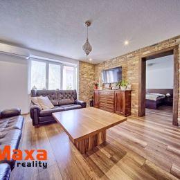 Ponúkame Vám na predaj ďalší jedinečný 3 izbový byt vo vyhľadávanej časti Starého sídliska v Prievidzi. Byt o rozlohe 77m2 sa nachádza na vyvýšenom ...