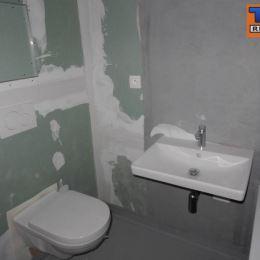 Na predaj pekný 1-izb. byt o výmere 39m2. Byt sa nachádza na piatom poschodí z piatich v zrekonštruovanom obytnom dome na ulici Gunduličova. Byt sa ...