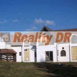 Polyfunkčný dom v obci Rudno Vám ponúka možnosť veľkorysého bývania spojeného s podnikaním ( obchod, kancelárie, sklady, ambulancie, penzión…) ...
