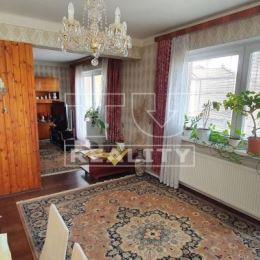 Na predaj 5 izbový rodinný dom v Šali veľmi dobrá lokalita na bývanie. Rodinný dom má výmeru 180 m2 a nachádza sa na pozemku o výmere 526 m2. Dom je ...