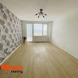 Ponúkame Vám na predaj veľkometrážny 3 izbový byt v blízkosti centra mesta Prievidza. Byt o rozlohe 88m2 sa nachádza na deviatom poschodí z ...