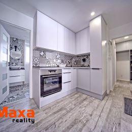 Ponúkame Vám na predaj vkusne zrekonštruovaný slnečný 3 izbový byt v tichej lokalite Starého sídliska. Byt o rozlohe 59m2 prešiel kompletnou ...