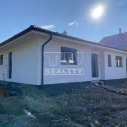 Novostavbu 4i bungalovu s úžitkovou plochou 97,02m2 v novovybudovanej ulici v obci Pružina. Dispozične pozostáva Z chodby - je prístup do všetkých ...