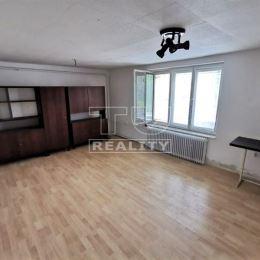 Tureality ponúka na predaj 3 izbový tehlový rodinný dom vo vyhľadávanej lokalite Gbeľany, ktorá je vzdialená iba 11km od mesta Žilina, cca 12min ...