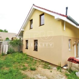 Na predaj novostavbu 3 izbového mezonetu v Nitre, na Čermáni.Byt sa nachádza v dome s dvomi bytovými jednotkami a patrí k nemu pozemok pre parkovacie ...