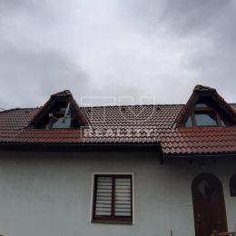 Na predaj 3 izbový rodinný dom v obci Krasňany. Celková výmera pozemku je 119m² z toho zastavaná plocha je 72m². Dom je po úplnej rekonštrukcii v ...