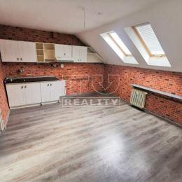 Na predaj 2 izbový podkrovný byt v Žiline na ulici Kysucká o celkovej výmere 63m². Byt sa nachádza 3./3. poschodí v zateplenom tehlovom bytovom dome. ...