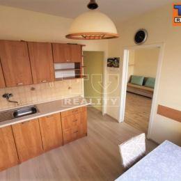 Na predaj 3-izbový byt o výmere 69m2 plus balkón o výmere 3m2. Byt prešiel čiastočnou rekonštrukciou alebo si ho môže nový majiteľ zrekonštruovať ...