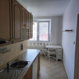 Na predaj 3-izbový byt o výmere 74m2 plus loggia o výmere 3m2 a k bytu taktiež prináleží pivnica o výmere 2m2. Byt sa nachádza na siedmom poschodí z ...