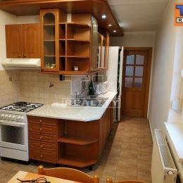 Na predaj krásny, priestranný trojizbový byt, s rozlohou 85 m2, ktorý sa nachádza priamo v srdci mesta Šaľa. Byt prešiel rekonštrukciou, v rámci ...