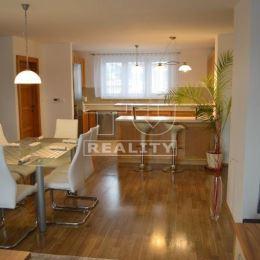 Na prenájom 4-izbový byt o výmere 140m2 v rodinnom dome so samostatným vstupom v Žiline - Bytčici. Byt je kompletne zrekonštruovaný a zariadený, ...
