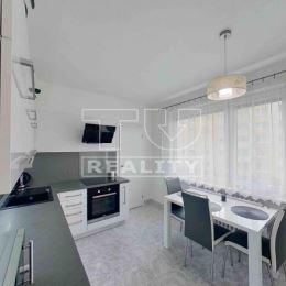 TUreality v exkluzivite:ponúka na predaj 4 izbový kompletne zariadený a citlivo zladený byt z 2. poschodia na Nemocničnej ulici v Dolnom Kubíne ...