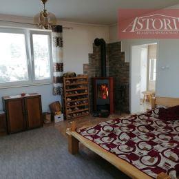 Ponúkame Vám na dlhodobý i krátkodobý prenájom krásny, veľký, kompletne zariadený a zrekonštruovaný 2 lôžkový apartmán s KRBOM v Sučanoch. Plocha ...