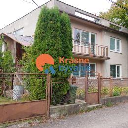 Ponúkame Vám na predaj 4 izbový rodinný dom v Žiari nad Hronom časť - Šášovské Podhradie. Dom je dvojpodlažný skolaudovaný v roku 1975 a je postavený ...
