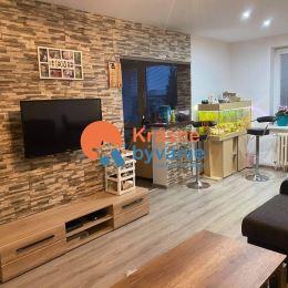 Ponúkame Vám na predaj priestranný zrekonštruovaný 3 izbový byt vo Zvolen v časti Lipovec. Celková úžitková je 89m2, byt má 2 balkóny a k bytu ...