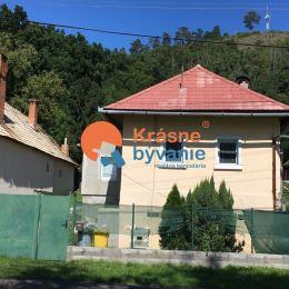 Ponúkame Vám na predaj menší 3 izbový, čiastočne podpivničený, rodinný dom s veľkorysým pozemkom v Žiari nad Hronom. Ide o pozemok o rozlohe 1056m2 ...