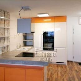 MRK-RETEX, s.r.o. – realitná kancelária pôsobiaca na realitnom trhu od roku 1999Vám ponúka na predaj 3 izbový byt v novostavbe Matadorka na ulici ...