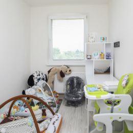 Ponúkame na predaj priestranný zrekonštruovaný 3 - izbový byt v zrekonštruovanom bytovom dome na sídlisku Košúty 2. Bytový dom je zateplený s novými ...