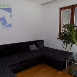 Realitná maklérka Jana Kuklová a realitná kancelária BV REAL Prievidza ponúka na predaj 3 izbový byt v Partizánskom, časť Šípok.Byt je čiastočne ...