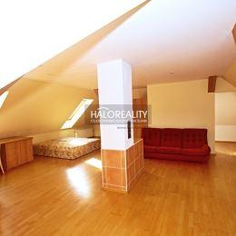 Ponúkame Vám na predaj viacgeneračný zrekonštruovaný rodinný dom s pekne upravenou veľkou záhradou v obci Hôrka nad Váhom, v tichej lokalite mimo ...