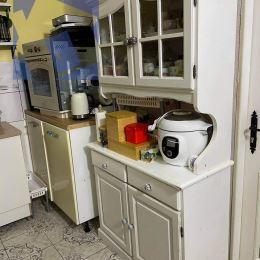 Realitný maklér Fazika Miroslav a realitná kancelária BV REAL ponúka na predaj 2 izbový byt v mesteŽiar nad Hronom.Nachádza sa na ulici M.Chrásteka.V ...