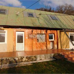 Ponúkame na predaj dvojpodlažný rodinný dom v Banskej Štiavnici, časť Štefultov v tichej lokalite mimo hlavnej cesty na slnečnom pozemku s ...