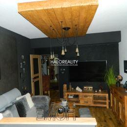 Ponúkame na predaj trojizbový byt s podkrovným priestorom s rozlohou spolu 98 m² v centre mesta Zvolen. Byt s rozlohou 68 m²orientovaný na juhozápad ...