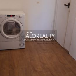 Ponúkame na predaj trojizbový byt vo vyhľadávanej lokalite Prednádražie v Trnave. Byt s úžitkovou výmerou 65 m² sa nachádza na 4.p. panelového ...