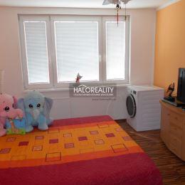Ponúkame na predaj 3-izbový byt na ul. Gen. Goliana v Trnave. Byt s výmerou 67 m² sa nachádza na 6. poschodí v zateplenom bytovom dome s novým ...