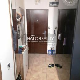 Ponúkame na predaj trojizbový byt s loggiou v Prešove na sídlisku Šváby. Byt je v bytovom dome s výťahom, tento bytový dom sa práve zatepľuje, ...