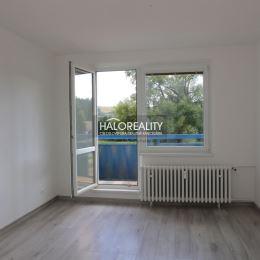 Ponúkame Vám na predaj 3 izbový byt v Brezne – širšie centrum, Západ, výmera 75 m² . Nachádza sa na 1 poschodí udržiavaného osemposchodového obytného ...