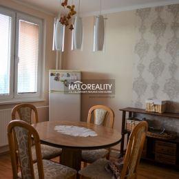 Ponúkame na predaj 3 izbový, zrekonštruovaný byt s balkónom v Topoľčanoch na sídlisku F. Byt má rozlohu 76m². Byt sa nachádza na 6 poschodí 12 ...