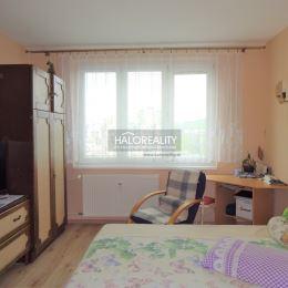 Ponúkame na predaj trojizbový byt s loggiou v OV na sídlisku Mier v Spišskej Novej Vsi.Byt, 68 m² vrátane loggie (byt s príslušenstvom: 65 m², ...