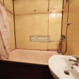 Ponúkame na predaj dvojizbový byt bez balkóna/loggie v OV na sídlisku Starý Juh v Poprade. Byt s celkovou výmerou 49 m², sa nachádza na vyvýšenom ...