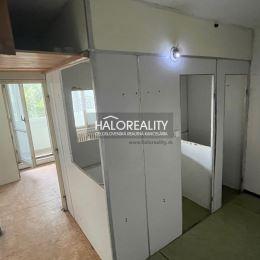 Ponúkame na predaj jednoizbový byt v Žiline na ul. Klemensova v širšom centre mesta, úplne pôvodný stav. (potrebná kompletná rekonštrukcia) . Byt sa ...