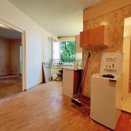 Ponúkame na predaj 1-izbový byt na ulici hospodárska v Trnave. Byt s výmerou 34,41 m² sa nachádza na 2. poschodí zatepleného bytového domu. ...