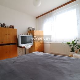 Ponúkame Vám na predaj slnečný 3 - izbový byt s balkónom vo vyhľadávanej lokalite v meste Nové Zámky. Byt s obytnou plochou 77,71 m² na nachádza na ...