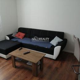 Ponúkame na predaj rodinný dom v tichej časti v obci Výčapy - Opatovce okres Nitra na pozemku o výmere 956 m².Pozemok je v udržiavanom stave s ...