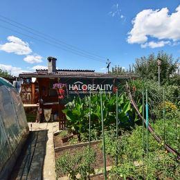 Ponúkame vám na predaj záhradu s chatkou v meste Prievidza. Nachádza sa v záhradkárskej oblasti - sad SNP v tichom prostredí na slnečnom, rovinatom ...