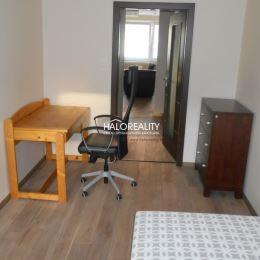 Ponúkame na prenájom nadštandardný 3-izbový byt v centre Trnavy. Byt s úžitkovou výmerou 92 m² sa nachádza na 2. poschodí bytového domu priamo na ...