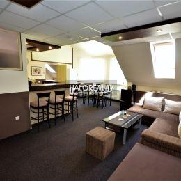 Ponúkame na dlhodobý prenájom priestraný zariadený apartmánový byt o výmere 80 m² na ulici Mariánska v Ružomberku. Byt je kompletne zariadený a ...