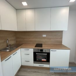 Predáme 1 izb. byt na Bieloruskej ul., po kompletnej rekonštrukcii s výmerou 31 m2, 3.poschodie z 3, bez výťahu a bez balkóna. V byte prebehla ...